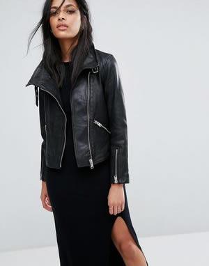 chaqueta de mujer biker